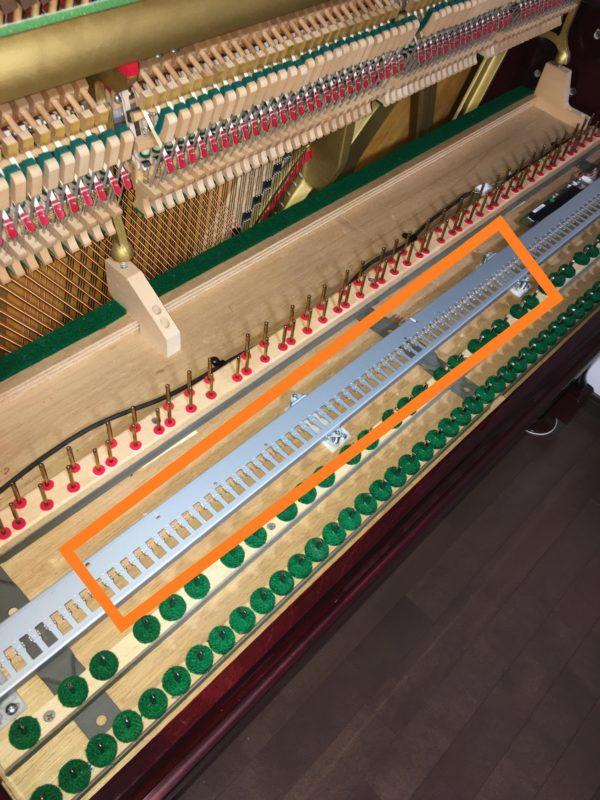 ピアノサイレント鍵盤下