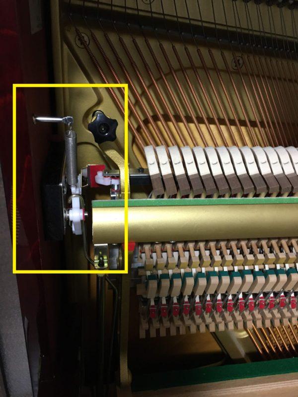 ピアノ消音ペダル