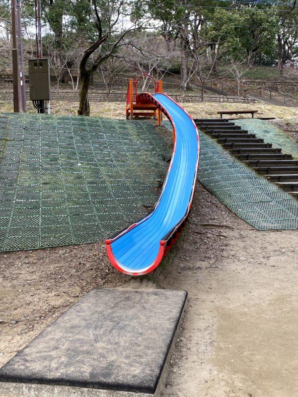 稲佐山公園のすべりだい